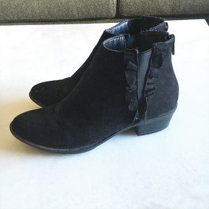 JustFab black chelsea ankle boots / booties ruffle
